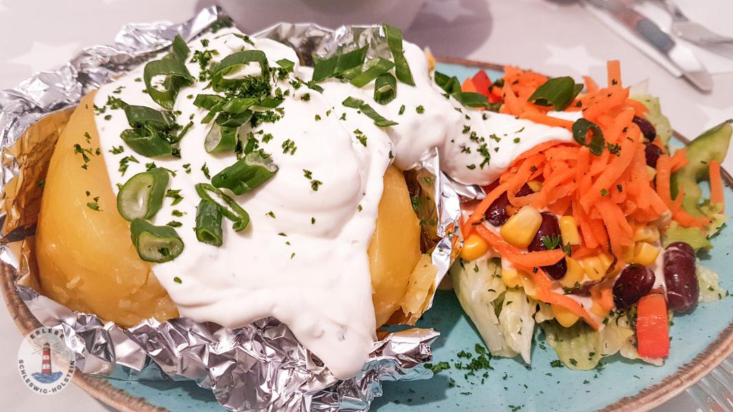 Ofenkartoffel im Imbiss Köstlich in Neustadt Holst