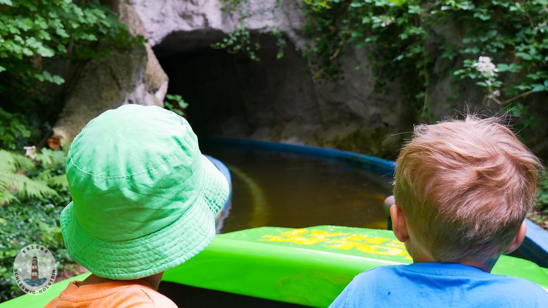 Zwergenbootfahrt im Freizeitpark Tolk-Schau