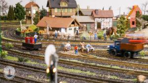 Modelleisenbahn im Freizeitpark Tolk-Schau